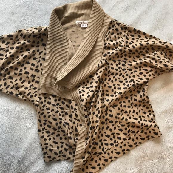kenzie Sweaters - Kenzie Pretty leopard print cardigan